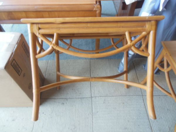 High End Consignment Furniture, Upholstery Service, Foam, Supplies. Kailua  Kona Hawaii, Bellevue Seattle Washington.