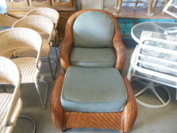 Marvelous High End Consignment Furniture, Upholstery Service, Foam, Supplies. Kailua  Kona Hawaii, Bellevue Seattle Washington.